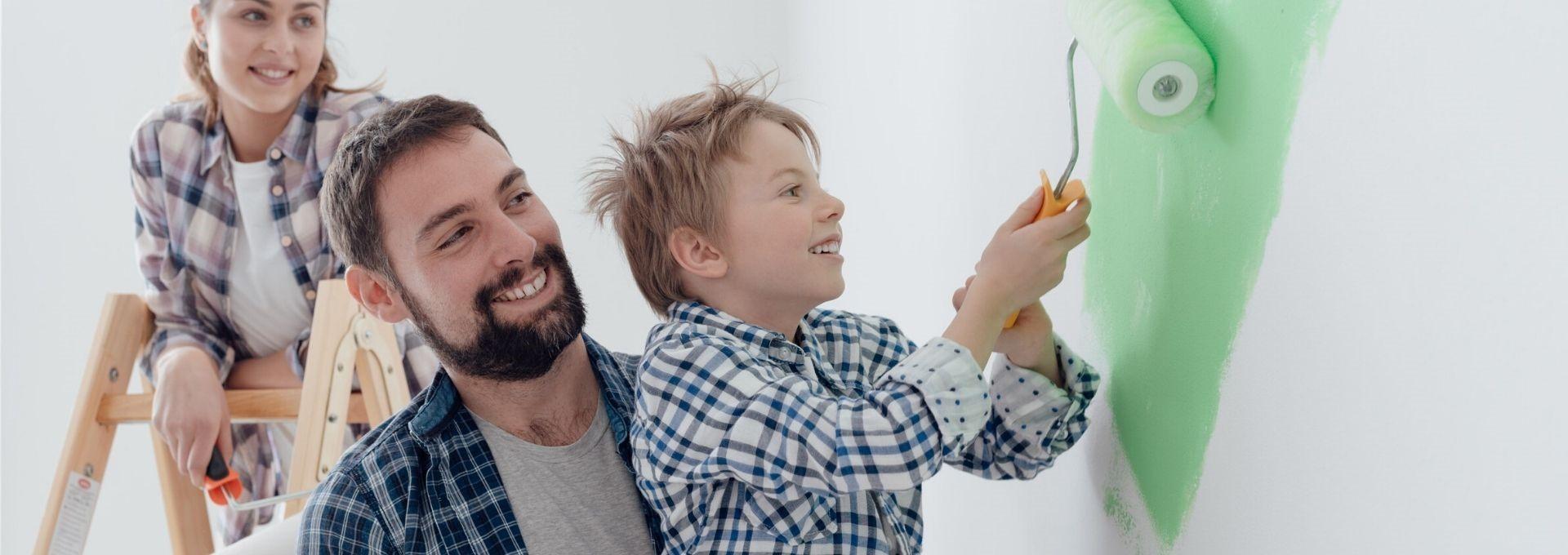 familia pintando